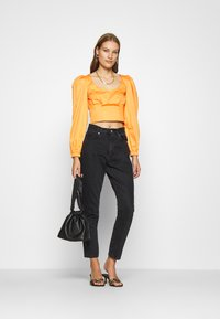 Who What Wear - CROPPED LONG SLEEVE - Blouse - cantaloupe - 1