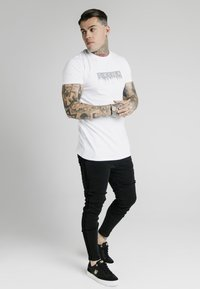 SIKSILK - Slim fit jeans - black - 1