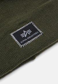 Alpha Industries - X-FIT BEANIE UNISEX - Beanie - dark green - 2