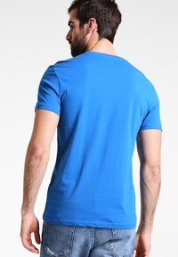 Pier One - T-shirt - bas - royal - 2