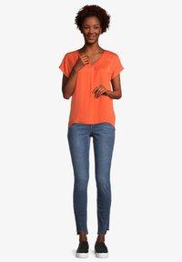 Cartoon - Basic T-shirt - papaya orange - 1