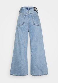 Dr.Denim Petite - AIKO CROPPED - Flared Jeans - light retro - 1