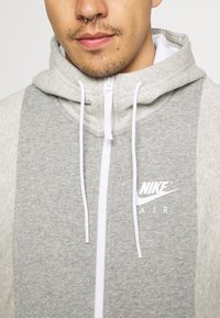Nike Sportswear - AIR - Bluza rozpinana - grey heather/grey heather/white - 5