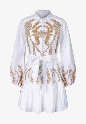 BERTA - Skjortekjole - caramel embroidery