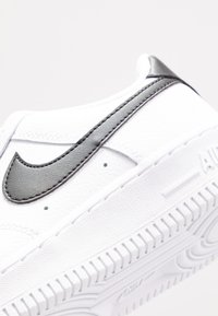 Nike Sportswear - AIR FORCE 1 - Sneakers laag - white/black - 2