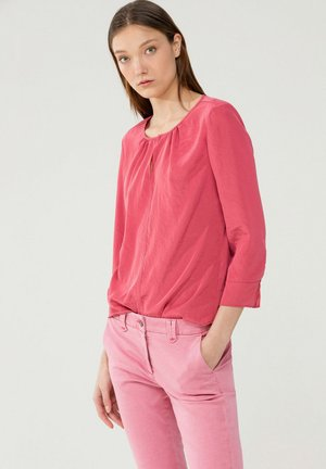Blouse - berry