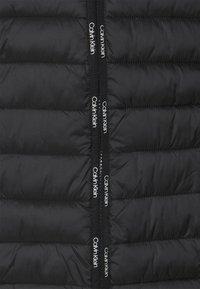 Calvin Klein - REVERSIBLE JACKET - Kevyt takki - black - 3