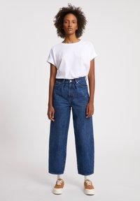 ARMEDANGELS - AANIKE - Straight leg jeans - retro washed - 1