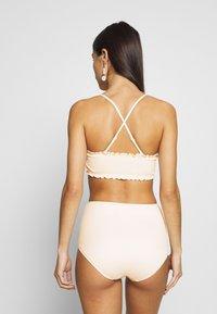 Monki - PAULINE AND GETRUDE BIKINI SET - Bikini - white light - 5