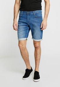 TOM TAILOR - JOSH - Jeansshorts - mid stone wash denim blue - 0