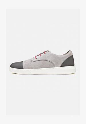 CLAUDIO - Sneakers laag - rood wit