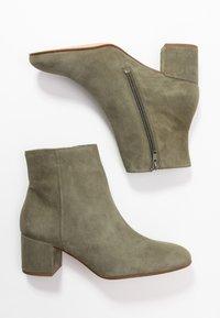 Högl - Classic ankle boots - khaki - 3