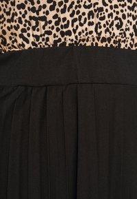 Dorothy Perkins Curve - CURVE PLEATED BLACK MIDI SKIRT - A-line skirt - black - 5