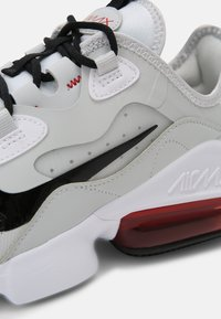Nike Sportswear - AIR MAX INFINITY 2 - Sneakers - white/black/university red/photon dust - 8