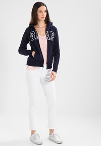 GAP - Zip-up hoodie - navy uniform - 1