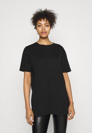 THE OVERSIZED DAD TEE - Camiseta básica - washed black