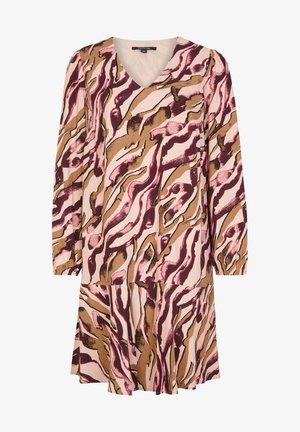 MIT ALLOVER-PRINT - Day dress - pink zebra lines