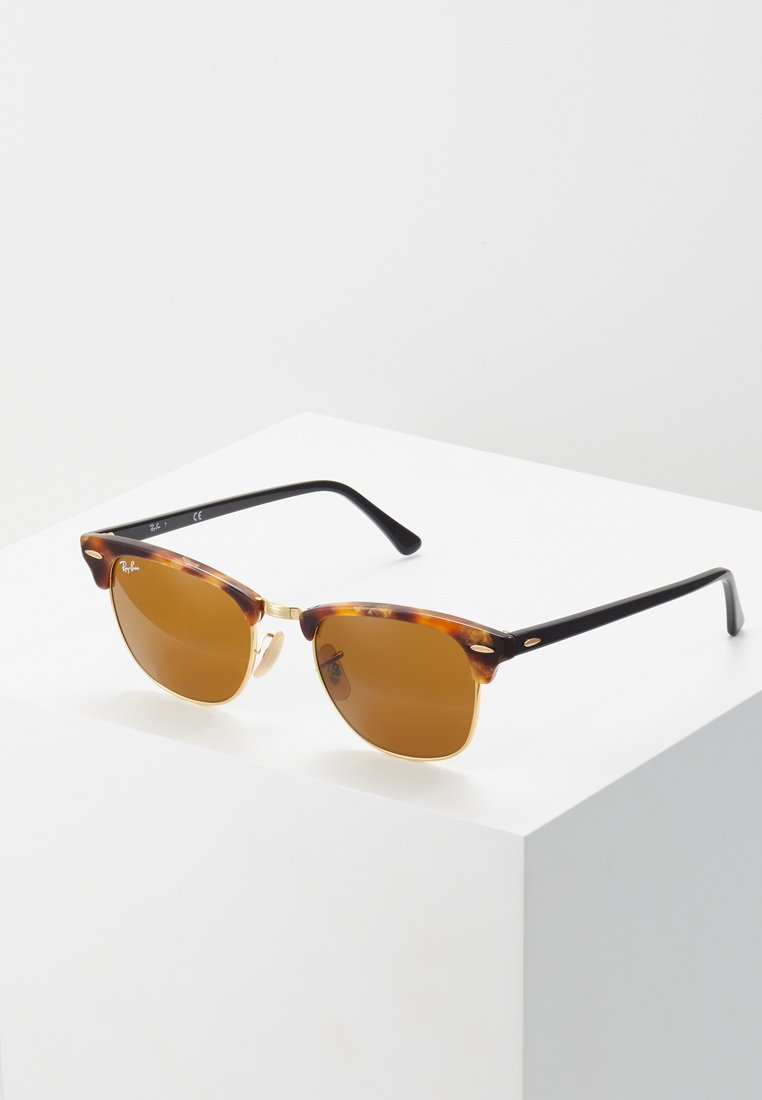 Ray-Ban - 0RB3016 CLUBMASTER - Solglasögon - brown