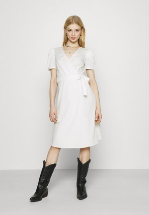 VISILLE WRAP MIDI DRESS - Day dress - snow white