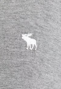 Abercrombie & Fitch - TEE - Print T-shirt - gray - 2