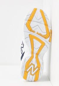 New Balance - 708 - Trainers - white - 6