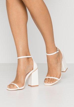ANWEN - Sandaler med høye hæler - offwhite