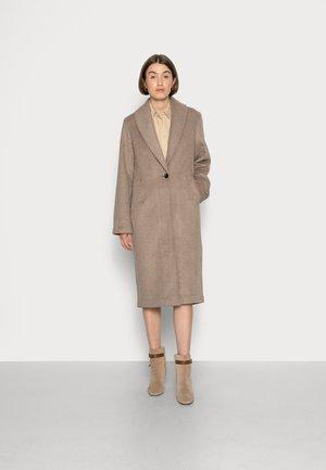 DOUBLE CLOTH BLANKET COAT - Classic coat - light camel