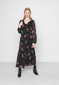 Vero Moda - VMPETRA ANCLE - Denní šaty - black/petra - 1
