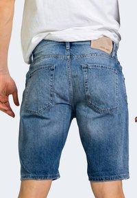 Antony Morato - BAART - Denim shorts - blue denim - 1