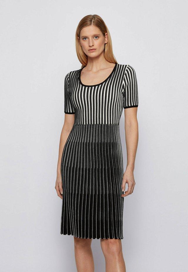 FARYA - Shift dress - patterned