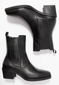 Vagabond - SIMONE - Cowboy/biker ankle boot - black - 3
