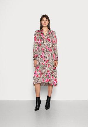 DRESS SMOCKED CUFF TIGER ROSE - Skjortklänning - multi-coloured