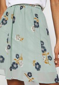 Vero Moda - VMFALLIE SHORT SKIRT  - Mini skirt - green milieu/newfallie - 5