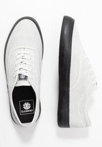 Element - PASSIPH - Skate shoes - offwhite/black