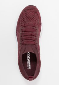 Skechers Performance - MAX GLITTER - Golf shoes - burgundy - 1