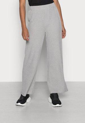 VMBLOSSOM PANT - Trousers - light grey melange
