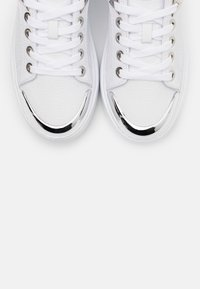 Guess - I-BRANDYN - Trainers - white - 5