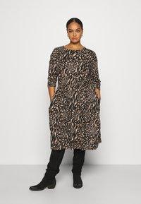 CAPSULE by Simply Be - MIDI 3/4 SLEEVE SMOCK DRESSES 2 PACK - Jersey dress - black - 0