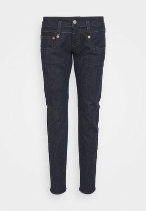 PITCH STRETCH - Slim fit jeans - raw