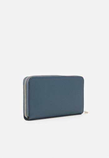 BABYLON XL ZIP AROUND - Wallet - blu denim ballerina