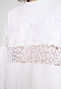 Guess - STRIPE - Sweatshirt - true white - 5