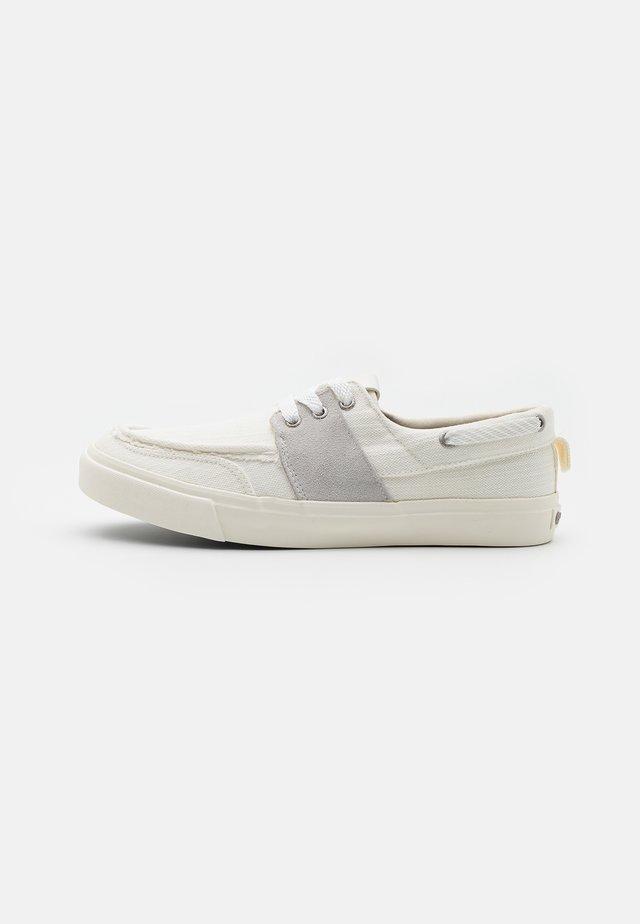 VARMA MR  - Sneakers laag - white