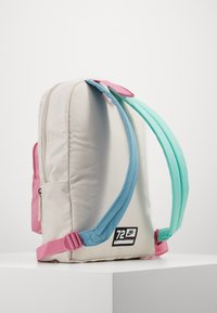 Nike Sportswear - CLASSIC - Batoh - light orewood brown/magic flamingo/white - 1