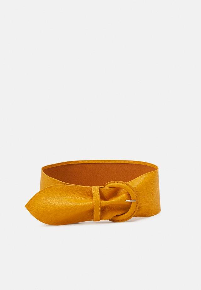 PCANDREA WAIST BELT - Tailleriem - mustard gold