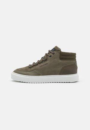 RESISTOR MID - Sneakers hoog - olive
