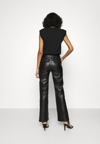 4th & Reckless - KAYDEN TROUSER - Trousers - black - 2