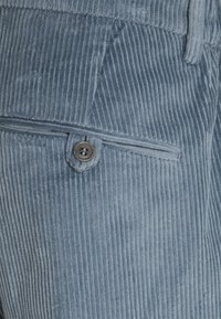 DRYKORN - CARE - Chino kalhoty - blau - 2