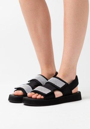 DIAMANTE GRANDAD - Sandály na platformě - black