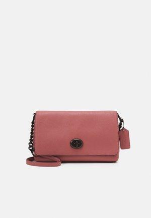 CROSSTOWN CROSSBODY - Taška spříčným popruhem - vintage pink