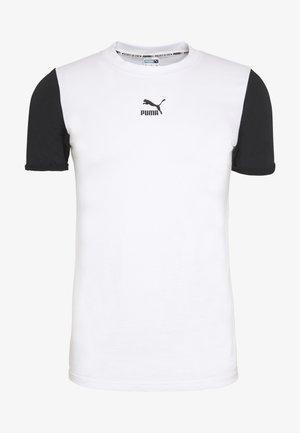 PUMA TEE - Print T-shirt - puma white